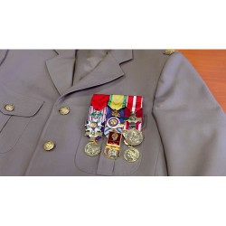 Kit porte médailles pendantes