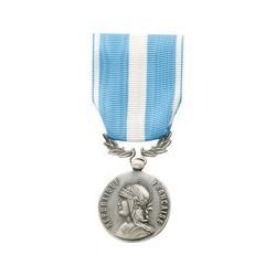 Médaille outre mer ex coloniale